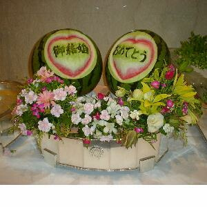 watermelon sculpture: wedding.