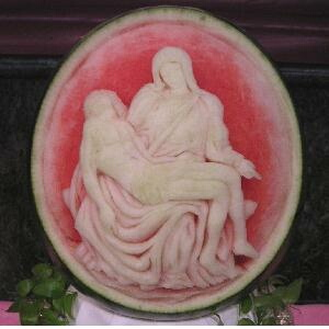 watermelon sculpture: Lima Cathedral.