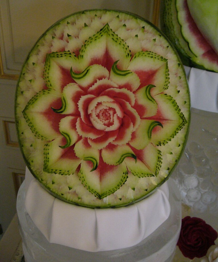 Watermelon Carving: Flower.